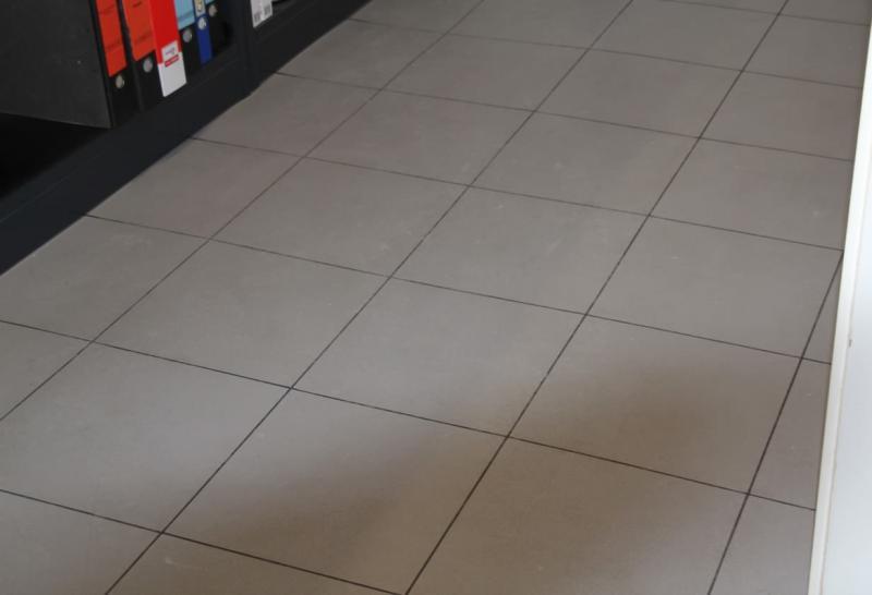 KFZ-Shop mit ELITE Bodenfliesen