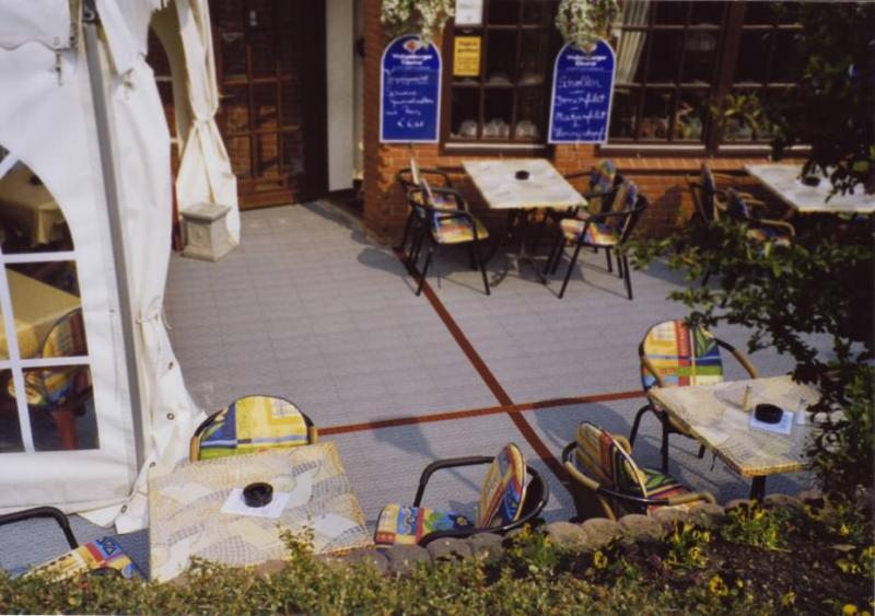 Reataurant-Terrassen mit MARINE